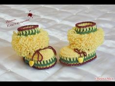 How to Crochet Baby Booties part 2 Crochet Baby Boots, Love Crochet, Knit Crochet, Crochet Stitches, Crochet Patterns, Baby Bootees, Baby Slippers, Crochet Videos, Baby Girl Shoes