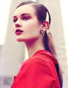 Przepiękny makijaż naszej polskiej modelki Moniki Jagaciak w Vogue China!