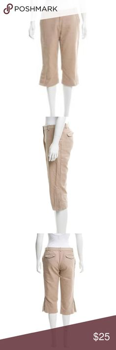"""Marc Jacobs Cropped Pants In very good condition. Authentic. Not my photos but this is exactly what they are. Feel free to make me an offer! Measurements are:  Waist: 29"""" Hip: 34.5"""" Rise: 9"""" Inseam: 18"""" Leg Opening: 15.5"""" Fabric: 100% Cotton Marc Jacobs Pants Ankle & Cropped"""
