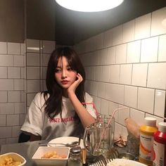 Discover images and videos about Ullzang from all over the world on We Heart It. Ulzzang Korean Girl, Ulzzang Couple, Ulzzang Style, Uzzlang Girl, Sexy Girl, Korean Aesthetic, Aesthetic Girl, Look Fashion, Korean Fashion