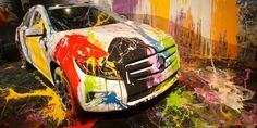 Discover how you can paint a Mercedes GLA-Class at a free exclusive concert