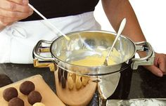 Grundrezept Cake Pops: Glasieren & Verzieren