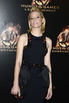 The Catching Fire premiere Paris: http://www.panempropaganda.com/movie-countdown/2013/11/15/photos-and-video-the-catching-fire-premiere-paris.html