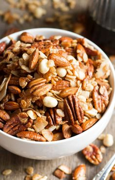 Want granola that tastes like one of your favorite Kind Bars? This Maple Pecan & Sea Salt Granola is the perfect salty-sweet treat!