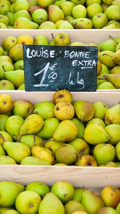 pears at the market, France