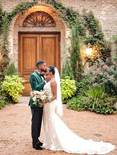 Groom in velvet green tux with bride wearing fit and flare gown with 1920s inspired headband Wedding Roles, Wedding Bride, Great Gatsby Wedding, Wedding Bouquets, Wedding Dresses, Couple Portraits, Jewel Tones, White Flowers, Summer Wedding