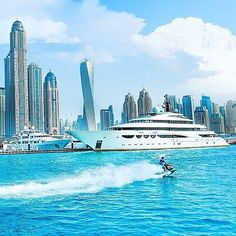 Find images and videos about Dubai, yacht and Emirates on We Heart It - the app to get lost in what you love. Abu Dhabi, Dubai City, Dubai Uae, Voyage Dubai, Foto Picture, Places To Travel, Places To Visit, Grand Luxe, Luxury Boat