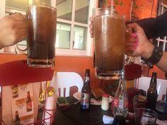 #viernesdeamistades y pasarla super 🍺🍺🍺3 #micheladas x $100 en la compra de nuestra deliciosas 🐤#alitas #ellugardelagentebonita 📱w 818991030