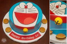 Doraemon cake with dorayaki.