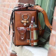 The Lewis Expedition Bag – Leather Built