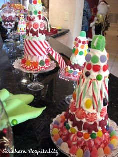 cute candy Christmas trees  (Ants!)  NOTE: Seal it in a class canister jar w/ lid & clear caulk around the lid  clear