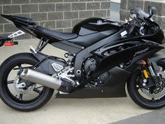 Yamaha R6 josh's bike :)