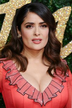 Salma Hayek hot images and Photos. Hollywood, one of the popular actress and director. Salma Hayek biography in short will discuss here. Salma Hayek Images, Salma Hayek Young, Salma Hayek Pictures, Beautiful Celebrities, Beautiful Actresses, Gorgeous Women, Beauty Full Girl, Beauty Women, Salma Hayek Style