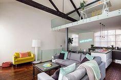 Salón de un loft moderno