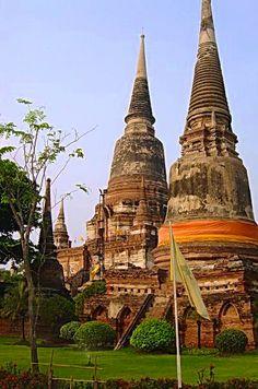 Laos Temple outside Vientiane. http://viaggi.asiatica.com/