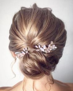 Beautiful updo hairstyles, upstyles, elegant updo ,chignon ,bridal updo hairstyles ,wedding hairstyle #weddinghairstyles #updos #bridehair