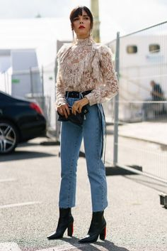 ruffles lace-ruffles lace-ruffle-top high-waisted-jeans