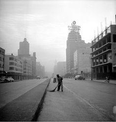 La Ciudad de México, 1957 por Nacho López.