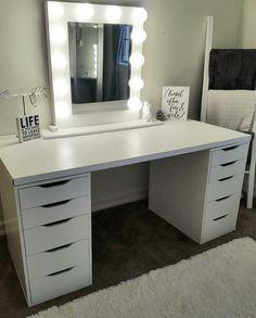 Bedroom Vanities, Bedroom Ideas, Bucket, Vanity, Mirror, Furniture, Home Decor, Quartos, Rome