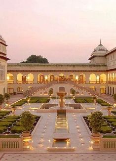 Glorious Gardens of Guy Hervais Rambagh Hindu Palace - Home of the Maharaja of Jaipur, India- Hinduism Architecture ॐ Mansion Homes, Dream Mansion, Mansion Interior, Mansion Bedroom, India Architecture, Beautiful Architecture, Ancient Architecture, Gothic Architecture, Garden Architecture