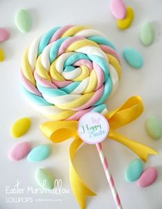 DIY Marshmallow Lollipops & Free Easter Tags 30 Days of FREE Party Printables: Day 21 - Happy Easter Tags Quick and Simple Easter Marshmallow Lollipops by Birds Party Candy Party, Party Favors, Party Games, Party Sweets, Lollipop Party, Hoppy Easter, Easter Party, Unicorn Birthday Parties, Craft Party