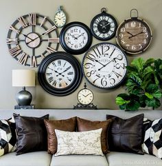 wall clock decor living room 563161128399542337 - Time is on your side when it comes to perfecting your decor! Add instant inspiration to any room with a gallery wall of clocks. Source by 1920s Home Decor, Easy Home Decor, Cheap Home Decor, Hm Deco, Home Clock, New Wall, Home Decor Accessories, Living Room Decor, Living Rooms