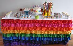 Sweet ruffle tablecloth
