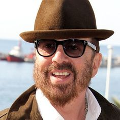 Dave Stewart  (September 9, 1953) British singer, songwriter, producer and guitarist, best known from The Eurythmics and Annie Lennox.