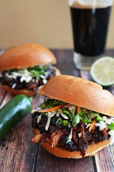 Sweet and Spicy Pulled Pork. This Sweet and Spicy Pulled Pork with Honey Jalapeno Lime slaw is made in he slow cooker and is oh so delicious! Pork Recipes, Slow Cooker Recipes, Crockpot Recipes, Cooking Recipes, Deer Recipes, Chicken Recipes, Sandwiches, Pork Sandwich, Yummy Food