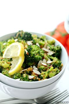 Garlicky Steamed Broccoli by diethood: Delicious and healthy side dish of steamed broccoli rolled in buttery panko crumbs, garlic and lemon. #Broccoli #Healthy