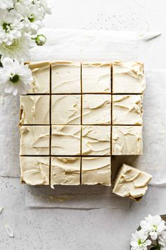 A quick & easy recipe for the BEST No Bake Banana Bars! This recipe is simple-to-make, healthy, nut-free & sure to have your entire family saying 'YUM! Lunch Box Recipes, Whole Food Recipes, Baking Recipes, Carrot Bars, Super Easy Dessert Recipe, Maple Frosting, 16 Bars, Banana Bars, Baked Carrots