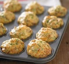 These 10 Healthy Muffin Recipes Will Revolutionise Your Meal Planning Sun-dried tomato, spinach and feta muffins Muffin Tin Recipes, Healthy Muffin Recipes, Vegetarian Recipes, Cooking Recipes, Cooking Kids, Cooking 101, Snacks Recipes, Savory Muffins, Healthy Muffins