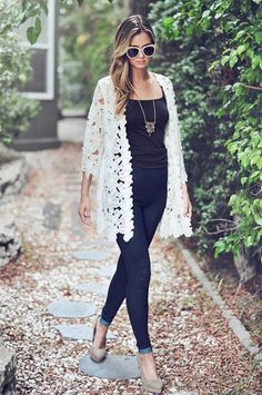 Lace Kimonos dress up any outfit — from tanks and shorts, to a sundress for all those summer weddings. Source by bertinobehrendt outfit summer White Kimono Outfit, Lace Cardigan Outfit, White Lace Kimono, Crochet Cardigan, Kimono Cardigan, Lace Dress, Summer Kimono, Poncho, Lace Jacket