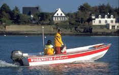 A Workstar 17 Explorer built in France, being trialled by the magazine Moteur Boat in the Morbihan, Brittany Prefixes, Boat Building, Brittany, Boats, France, Magazine, Kit, Explore, Engine