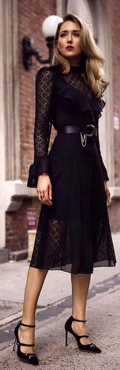 #winter #outfits black long-sleeved maxi dress. Pic by @be__classy__.