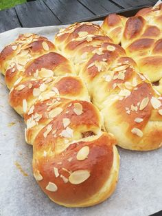 Hot Dog Buns, Hot Dogs, Recipe Boards, No Bake Cake, Doughnut, Food And Drink, Cookies, Baking, Sweet