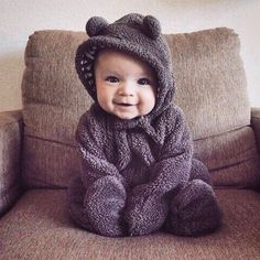 It is quite natural for a pregnant woman to be full of curiosity regarding her soon-to-be-born baby. How will the baby look? So Cute Baby, Baby Kind, Cute Baby Clothes, Baby Love, Cute Kids, Cute Babies, Baby Baby, Cute Baby Outfits, Baby Boy Style