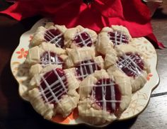 A Taste of Meghan's Kitchen - Raspberry Almond Shortbread Cookies Almond Shortbread Cookies, Cookie Jars, Cookie Recipes, Waffles, Biscuits, Raspberry, Thanksgiving, Treats, Baking