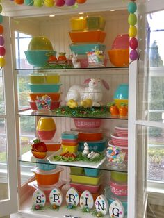 Pyrex; Easter display 2017