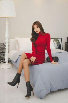 ( *`ω´) ιf you dᎾℕ't lιkє Ꮗhat you sєє❤, plєᎯsє bє kιnd Ꭿℕd just movє ᎯlᎾng. Beautiful Girl Image, Beautiful Asian Women, Asian Fashion, Girl Fashion, Pretty Asian, Sexy Asian Girls, Emo Girls, Pajamas Women, Korean Outfits