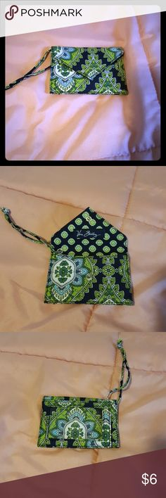 Vera Bradley  small  change purse/ID holder Small change purse with ID holder in older pattern  EUC no rips or tears in fabric. Vera Bradley Accessories