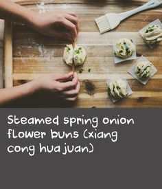 Steamed spring onion flower buns (xiang cong hua juan) | It's in the single digits here in Boston, and I am freezing. During times like these, I crave comfort food. I'm not talking about mac and cheese or lasagne, I mean Chinese comfort food, such as xiang cong hua juan. It literally translates to fragrant spring onion flower buns, but they are also known as steamed spring onion buns. This is an easy recipe and very, very satisfying. There are two ways you can shape the buns – one uses a… Steamed Meat, Steamed Buns, Onion Recipes, Meat Recipes, String Bean Recipes, Pregnancy Eating, Onion Flower, Steamer Recipes, Healthy Brain