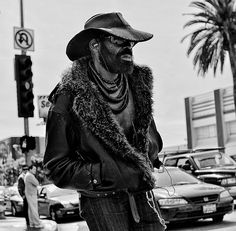 I walk alone by Street Vision L.A. (off during the week), via Flickr