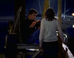 """""""Do I look like I'm in the mood to go get pancakes?""""   28 Times The Teens Of """"Dawson's Creek"""" Sulked On A Dock"""