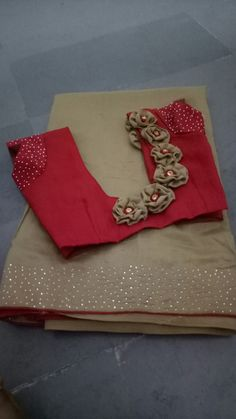 Flower neck Flower neck,Blouse designs Related posts:- Andrea - Ashley - tik Most Stunning Braided Hairstyle Ideas for Women and Teen ✿ - Page 55 of 61 - Diaror Diary - Croc. Kurta Designs, Simple Blouse Designs, Saree Blouse Neck Designs, Stylish Blouse Design, Bridal Blouse Designs, Designer Blouse Patterns, Designer Dresses, Designs For Dresses, Pattern Flower