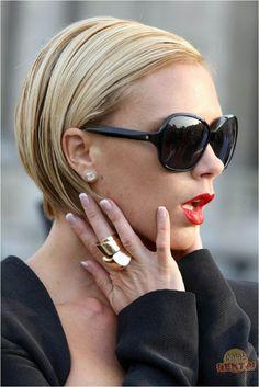 glamorousaddiction:  lovely—delight:  Victoria Beckham