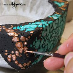 Concrete Bowl Paint Techniques – Made By Barb easy ways to finish your concrete, no special skills needed - Painting Techniques Concrete Molds, Concrete Cement, Painting Concrete, Concrete Garden, Concrete Design, Cement Art, Concrete Crafts, Concrete Projects, Concrete Planters