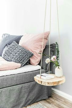 Dorm room ideas dorm inspiration for students DIY dorm decor coo .- Dorm room ideas dorm inspiration for students DIY dorm decor cool tap Hanging Table, Diy Hanging, Hanging Shelves, Easy Diy Room Decor, Decor Room, Cool Home Decor, Diy Home Decor Bedroom, Diy Projects For Bedroom, 70s Decor
