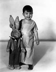 """Eugene Gordon Lee was an American child actor, most notable for appearing in the Our Gang comedies as Porky from 1935 to 1939. During his tenure in Our Gang, Porky originated the catchphrase """"O-tay"""", though it is commonly attributed to Buckwheat. After leaving the series, Lee retired from motion pictures, and entered public school"""