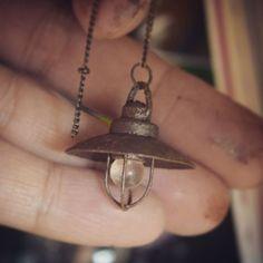 #ミニチュア#ライト#手作り#ブログに作り方#miniature#lighting#madebyme 電気つかないけどかわいいペンダントライト✨